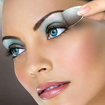 To Know What Make Up Colors To Wear For Blue Eyes