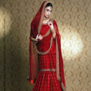 Traditional Red is Everlasting Fashion Trend in Pakistani Bridal Dress
