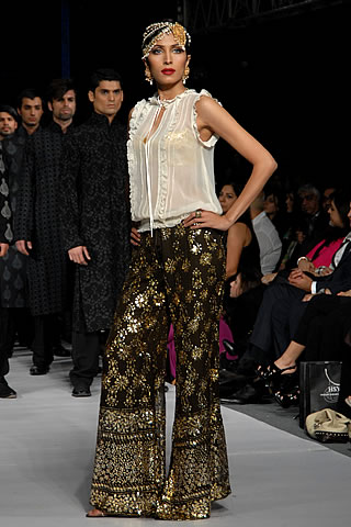 Mumtaz Jehan Collection by HSY at PFDC Sunsilk Fashion Week 2010