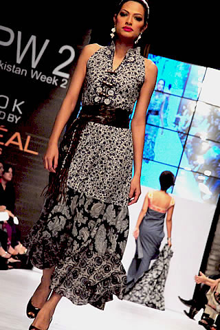 Kamair Rokni at Fashion Pakistan Week 2010