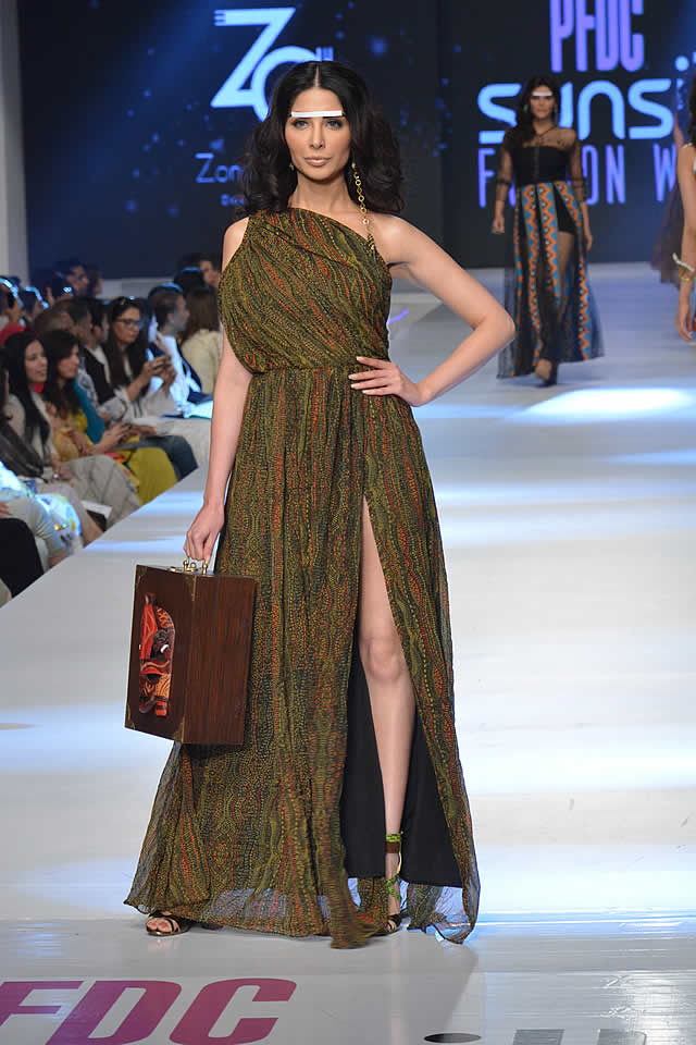 Zonia Anwaar PFDC Sunsilk Fashion Week collection 2015 Picture Gallery