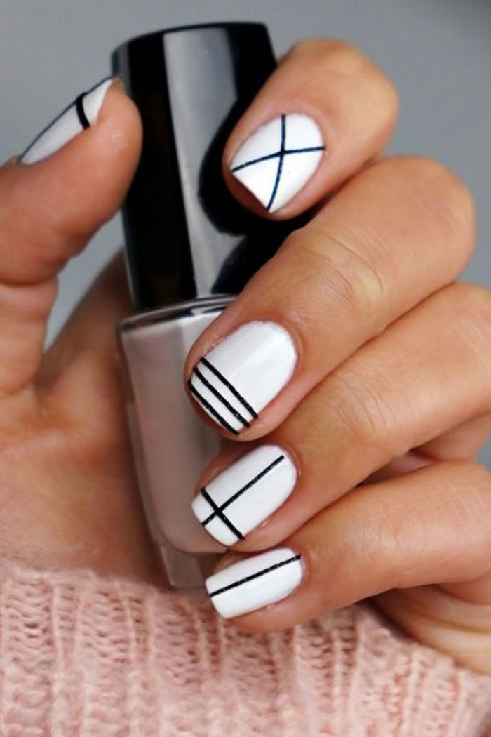 Simple Stripe nails