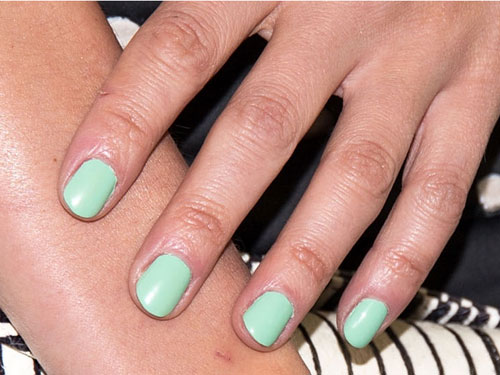 Green Nail color