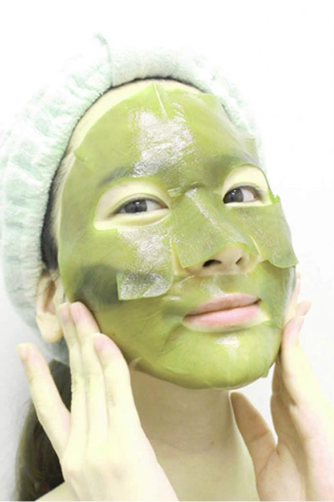 5 Things You Should NEVER Do While Applying Face Pack!