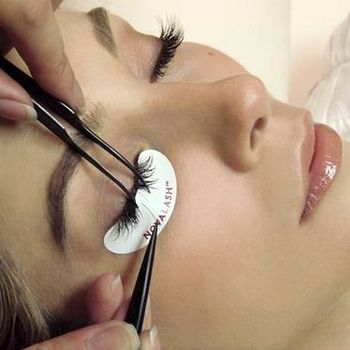 5 Things To Know About Eyelash Extensions