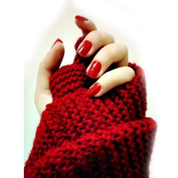 Classic Red Nail Polish Trend