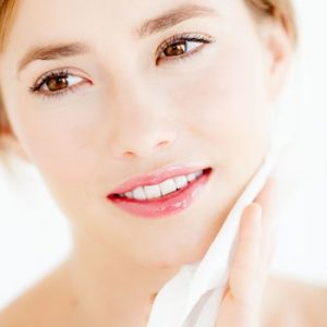 Are Face Wipes Healthy for your Skin