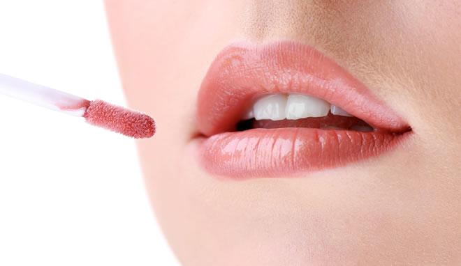 Lipstick shades for fair skin and thin lips