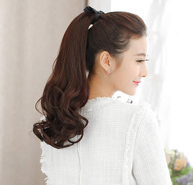 curl ponytail