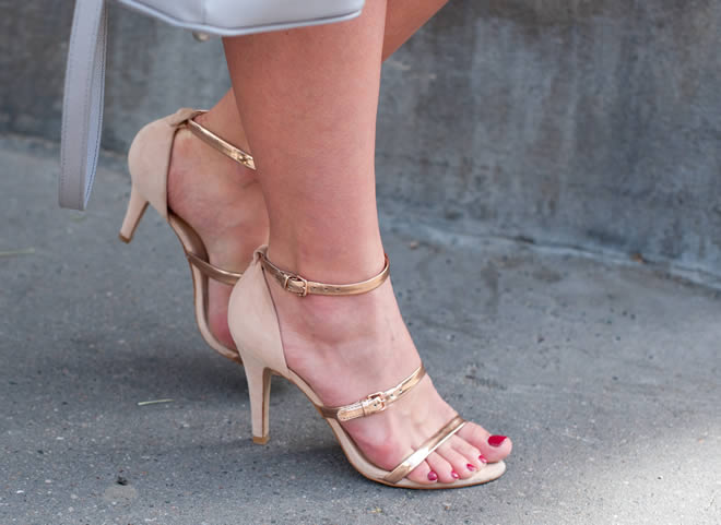 metallic heel shoes