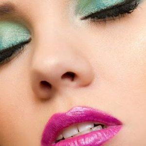 Summer Makeup Idea: Bright Lips and Dramatic Eyes