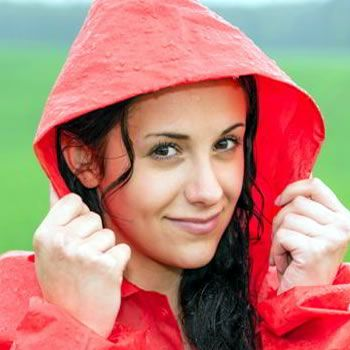 Use Of Cosmetics In Monsoon Is Good Or Bad
