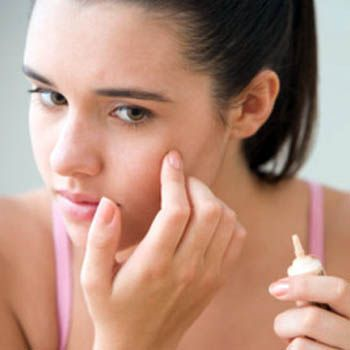 Use Of Cosmetics When You Have Acne