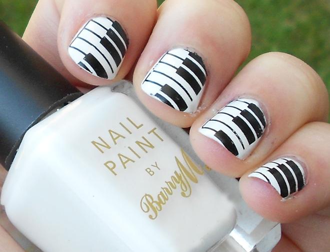 black_and_white_nail_art