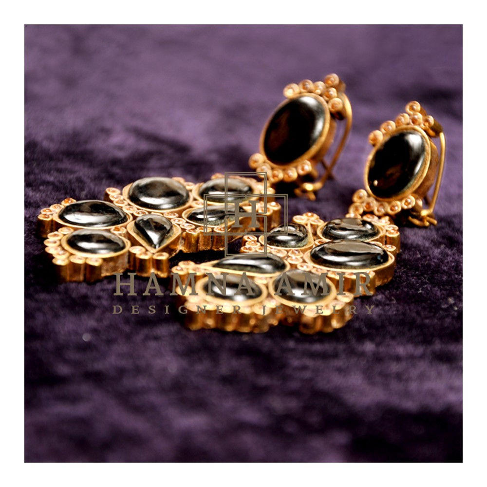black_stone_earrings