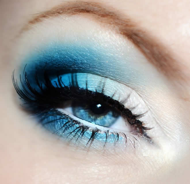 Different types of Eye Makeup that you can apply