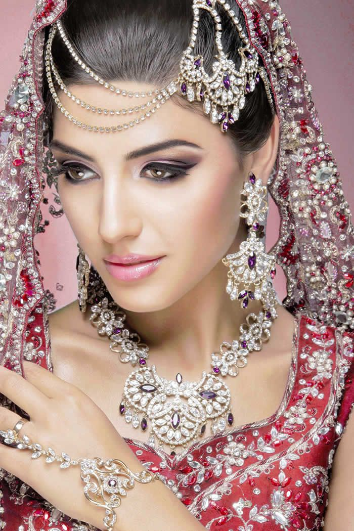Wedding Makeup Tips Every Bride Should Know