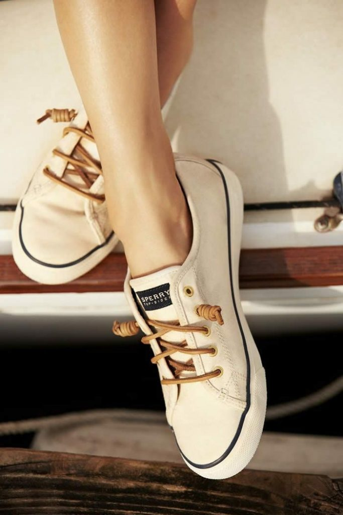 Benefits of Canvas Shoes for Women