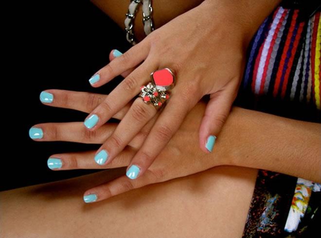 siple nail polish color