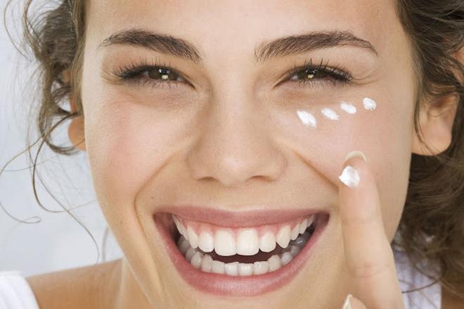 Facial Creams And Serum to Stop Aging