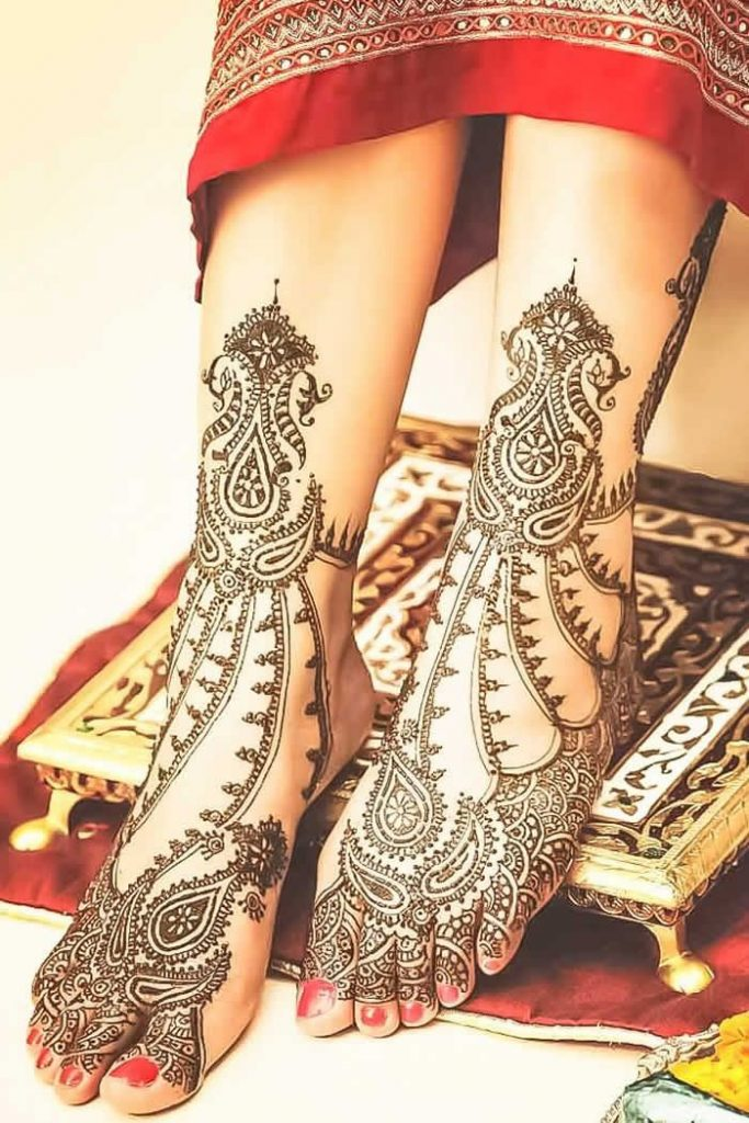 Decorate Your Feet with These 4 Stunning Mehndi Designs