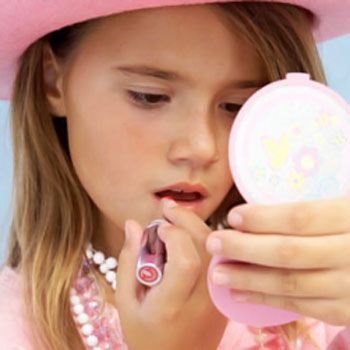 How to Make Cosmetics for Little Girls