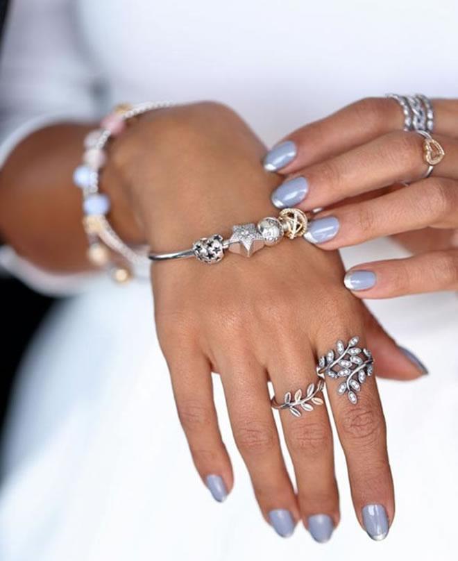 women dark skin nails