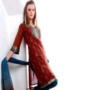Pakistani Shalwar Kameez: Blend of East and West