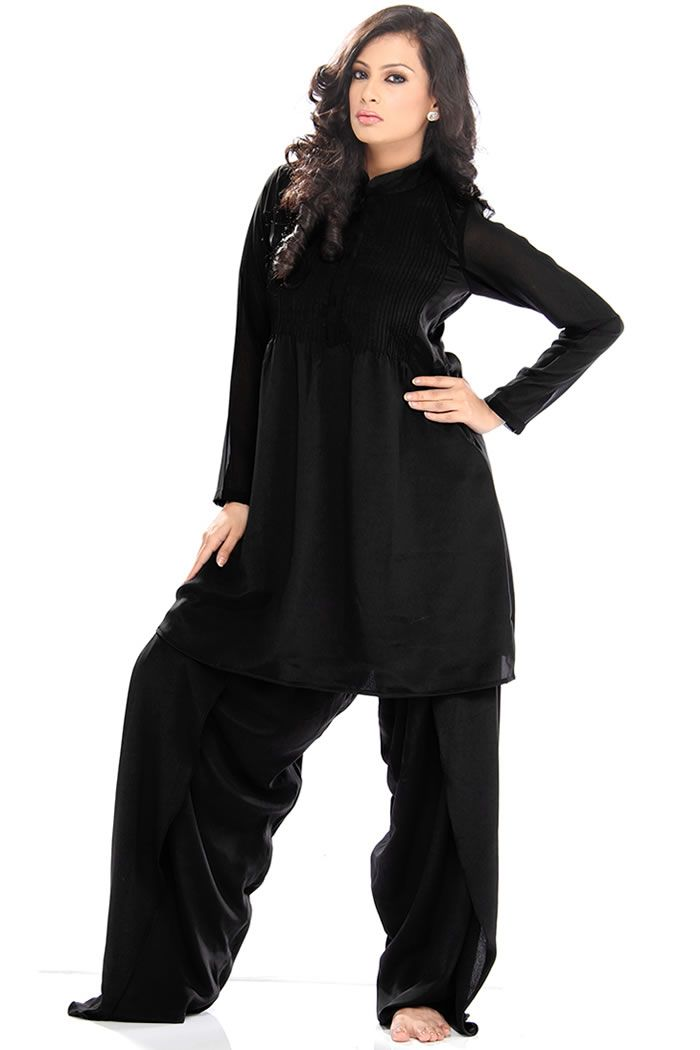3fa9c2904087 Latest Pakistani Bridal, Wedding, Formal and Party Dresses in Pakistan