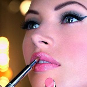 Use Summer Makeup To Shake Up Your Look