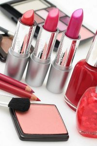 Top 10 Cosmetic Brands in Pakistan, Cosmetic Companies in Pakistan