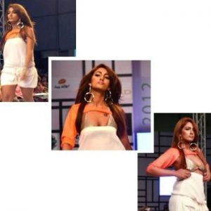 Mathira's Top Goes Down During Fashion Pakistan Week 3 Runway