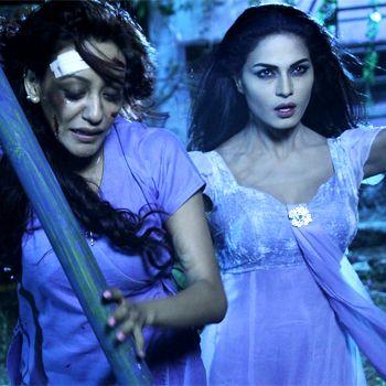Veena Malik To Play Vampire In Mumbai 125Km