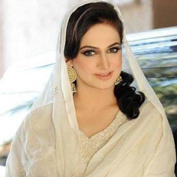 Filmstar Noor To Host A Ramadan Show