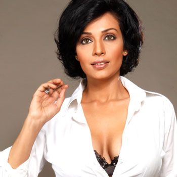 Indian Filmstar Flora Saini Refuses Pakistani Film