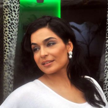 Meera Charged $100 Per Picture Her Performance At San Francisco