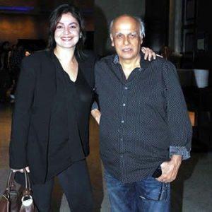 Pooja Bhatt and Mahesh Bhatt in Karachi