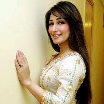 Reema Khan changes color after taking 17.5 million