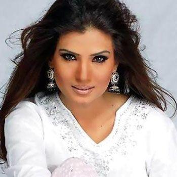 Resham's Zakat Distribution Event Turns Into Big Brawl