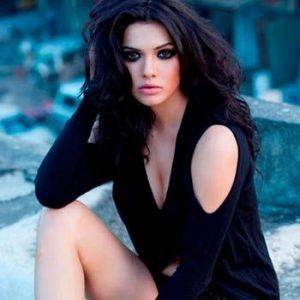 Sara Loren Aka Mona Lissa Signs Two More Films