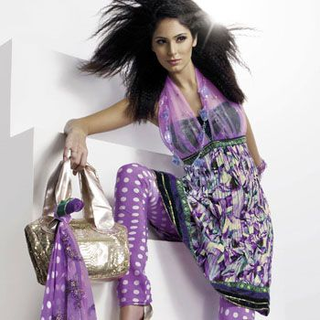 Trends for Pakistani Fashion Dresses this Summer 2011