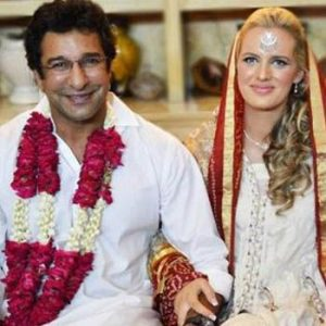 Wasim Akram ties knot with Shaniera Thompson