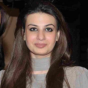 Saadia Mirza - Fashion Designer