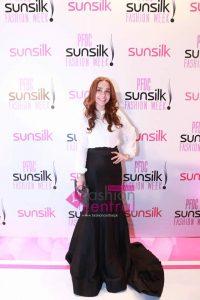 Red Carpet Photos of PFDC Sunsilk Fashion Week 2016
