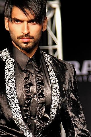 Pakistani Designer Munib Nawaz's Collection at Solo Men Fashion Show