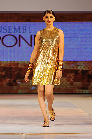 Pakistani Fashion Designers Maheen Karim's  Hot Couture Collection for 2009