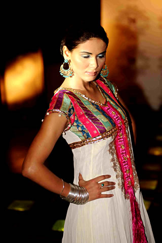Pakistani Fashion Designers Saadia Mirza's Velocity Fashion Collection 2009