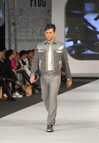 Ammar Belal's Collection at PFDC Sunsilk Fashion Week 2010 Karachi