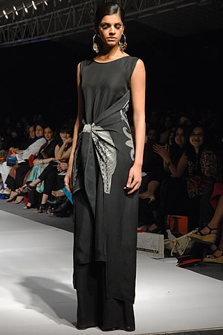 Sanam Saeed modeled for Body Focus