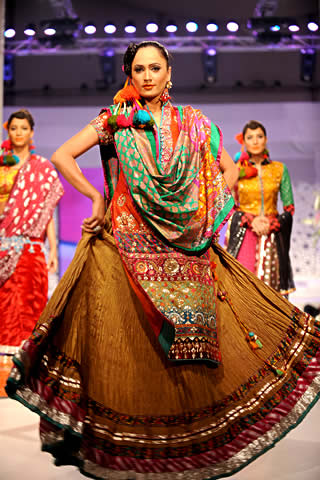 Faiza Sami's collection at Veet Celebration of Beauty 09